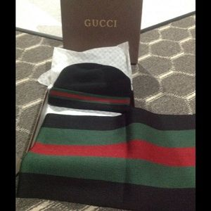 Gucci Other - Gucci scarf set