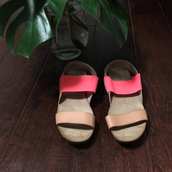 a5e23491f21e Mossimo sandals from Target. M 589a8d8d41b4e0f90700eb57