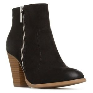 Shoe Dazzle Shoes - Black Booties