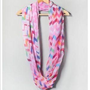 Accessories - 💕LightweightPinkChevron InfinityScarf