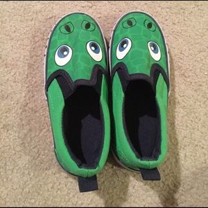 H&M Other - H&M size 9.5 dinosaur shoes