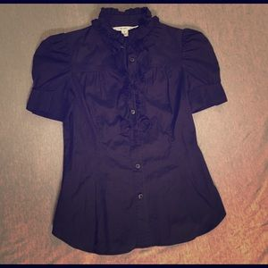 Black short-sleeved ruffled blouse