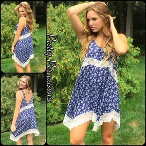 """Pretty Persuasions Dresses & Skirts - Navy Floral & Lace """"She Swings"""" Slip Dress Tunic"""
