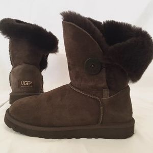 UGG Shoes - Women's Ugg bailey button size W7