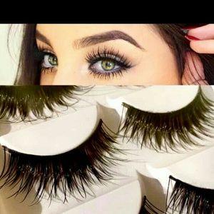 5 pairs of super wispies wispy eyelashes HOT