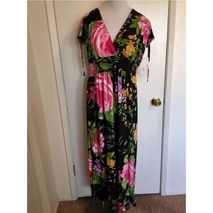 Studio West Maxi Floral Dress Medium
