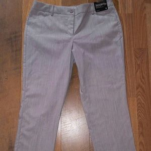 New York and company size 8 crop pants.
