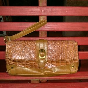 Handbags - ??NEW ITEM?? SNAKESKIN WRISTLET