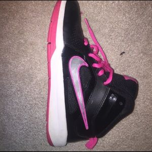 b3a66ce03f68 Nike Shoes - Nike Mid tops Big Kid size 5.5 on Vinted for 10