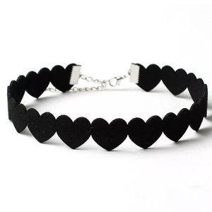 Jewelry - Heart choker necklace