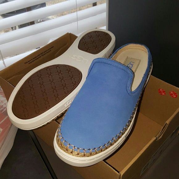 17f364625c3 Ugg Caleel slip on sneakers NWT