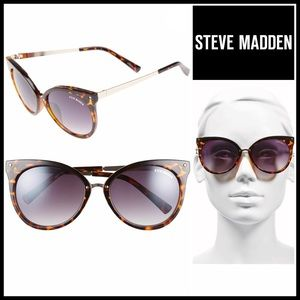 Steve Madden Accessories - STEVE MADDEN SUNNIES Sun Glasses
