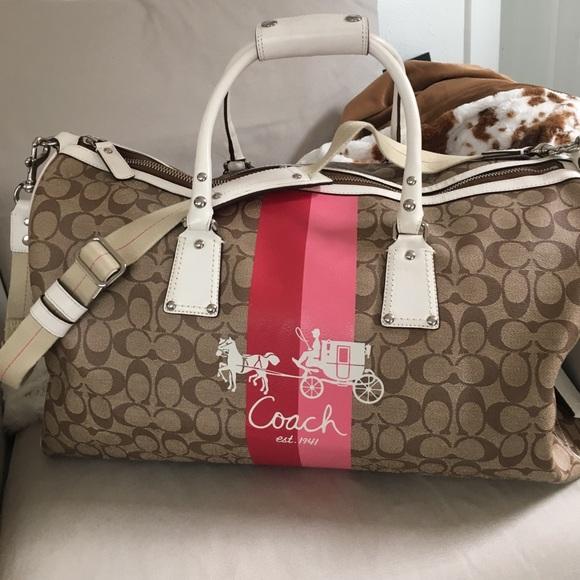 7f16b0acdd Coach Handbags - Beautiful coach luggage duffle bag.