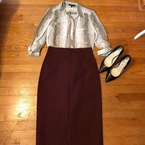 Banana Republic Dresses & Skirts - Banana Republic pencil skirt.