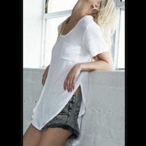Fashion Nova Tops - 🐔🐣 White Tunic w/ Pocket in Front