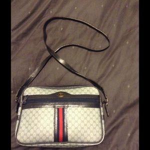 Gucci Handbags - Gucci vintage cross body