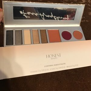 "Honest beauty ""everything make up palette"". BNWT."