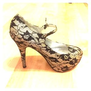 Traffic Shoes - Beautiful heels from Traffic !!