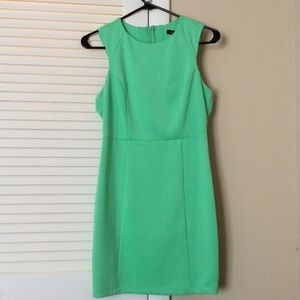 Dresses & Skirts - Green body con dress
