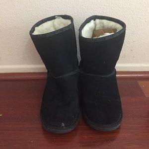 Emu Shoes - Short Black Emu Boots