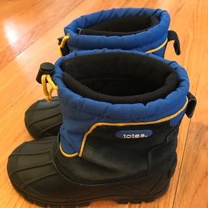 Totes Other - Boy's Totes Waterproof Winter Boots Size 2