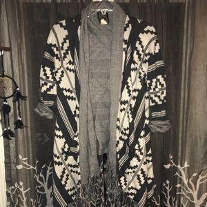Billabong Cardigan with Aztec print :Large: