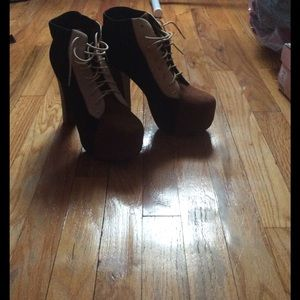 Black & Brown Platform Lace Up Booties sz 10 OFFER