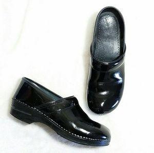 Dansko Shoes - Professional Dansko Black Patent Leather Clogs
