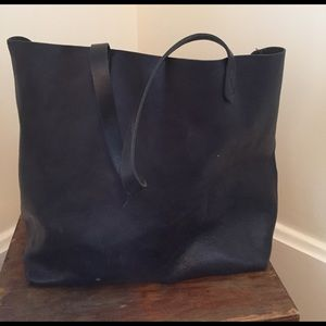 Madewell Handbags - Madewell navy Transport tote