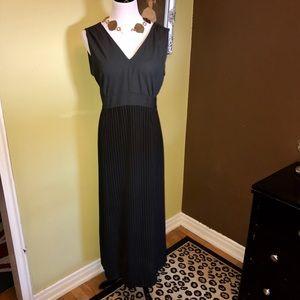 Halston Dresses & Skirts - Vintage Black Pinstripe Sleeveless Halston Dress