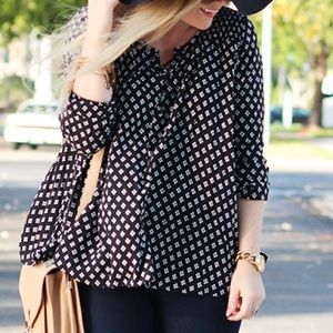 Express Black &a White Diamond Print Blouse