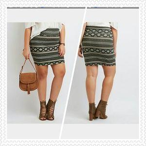 Dresses & Skirts - PLUS SIZE PRINTED BODYCON MINI SKIRT