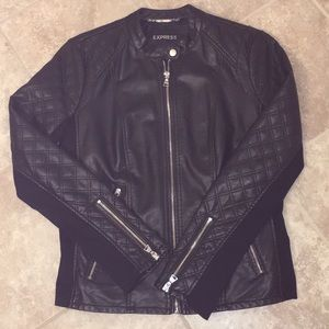 Stylish black zip up jacket from Express Store