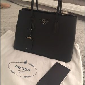 Prada Handbags - Prada SOLDOUT Birkin style saffiano shopper