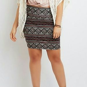 Dresses & Skirts - PLUS SIZE PRINTED BODY CON MINI SKIRT