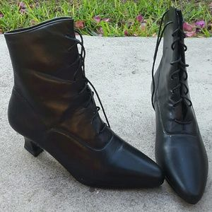 Predictions Shoes - Vintage 90s Ankle Boots
