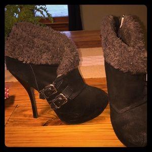 Price Drop珞H by Halston Black High Heel Boots