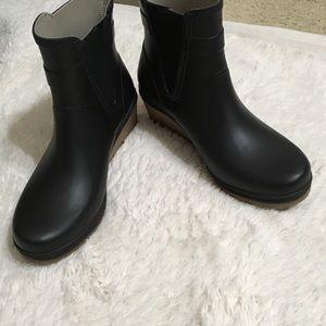 Tretorn Shoes - On Sale till Friday Mid nite: Tretorn