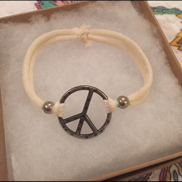 Jewelry - Peace sign bracelet!