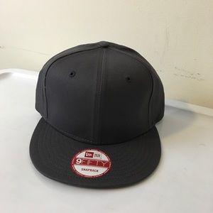 4fb94cf8c99e1 NewEra Accessories - NEW NewEra Charcoal Blank 9Fifty SnapBack Hat
