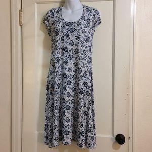 Karen Kane Dresses & Skirts - Karen Kane blue patterned t shirt dress size M