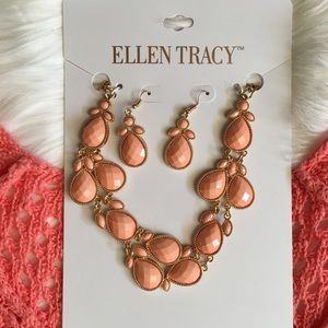 Ellen Tracy Jewelry - ✨Light Coral & Gold Bubble Necklace! ✨