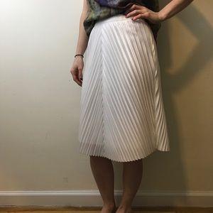 Topshop Dresses & Skirts - TOPSHOP White Accordion Pleated Midi Skirt