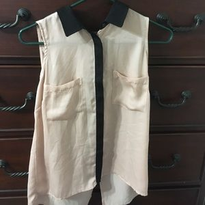 Bardot Tops - Bardot size XS button up collared shirt
