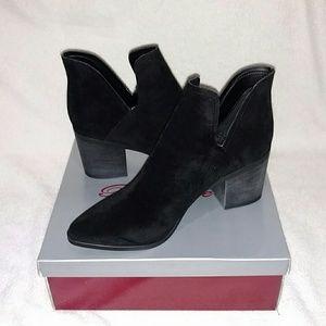 Breckelles Shoes - ✔️✔️NWT✔️✔️ Vegan Suede Booties