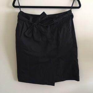 Uniqlo black skirt with belt