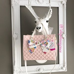 Betsey Johnson Handbags - Just In🎀Betsey Pouch To Go Satchel🎀HP🎀