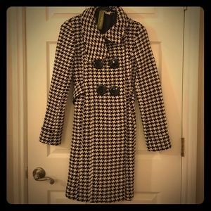 ‼️PRICE DROP‼️Small vintage houndstooth pea coat