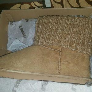 Lamo Shoes - *BRAND NEW* Lamo Chestnut Suede Knit Booties Sz 9