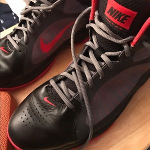 Nike Other - Price drop today!! Nike Max air basketball shoe